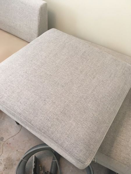Upholstery Cleaning in Jacksonville, FL (3)