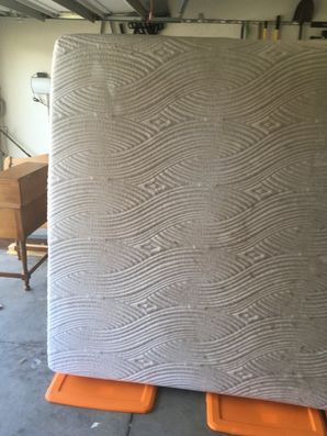Mattress Cleaning in Jacksonville, FL (1)