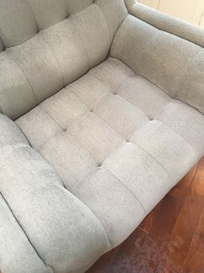 Before & After Chair Upholstery Cleaning in Jacksonville, FL (2)